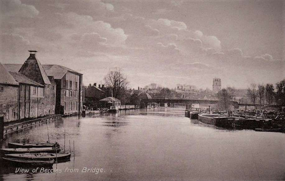 Beccles view from bridge.jpg