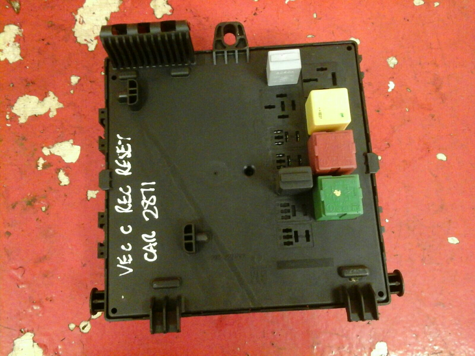 vauxhall vectra c rec rear electrical control module fuse box ... on tie rod removal, breaker box removal, a/c compressor removal, battery box removal, smog pump removal, transmission removal, fan clutch removal, ignition switch removal, engine removal,