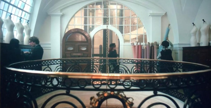 Scene from Cruella filmed at 10-11 Carlton House Terrace