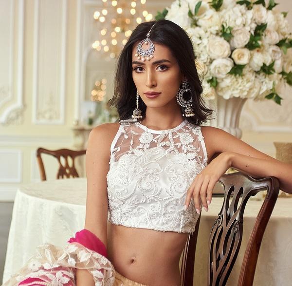 Indian bride sat in London wedding venue 10-11 Carlton House Terrace