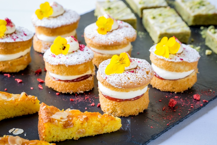 summer dessert canapes by London catering company Searcys