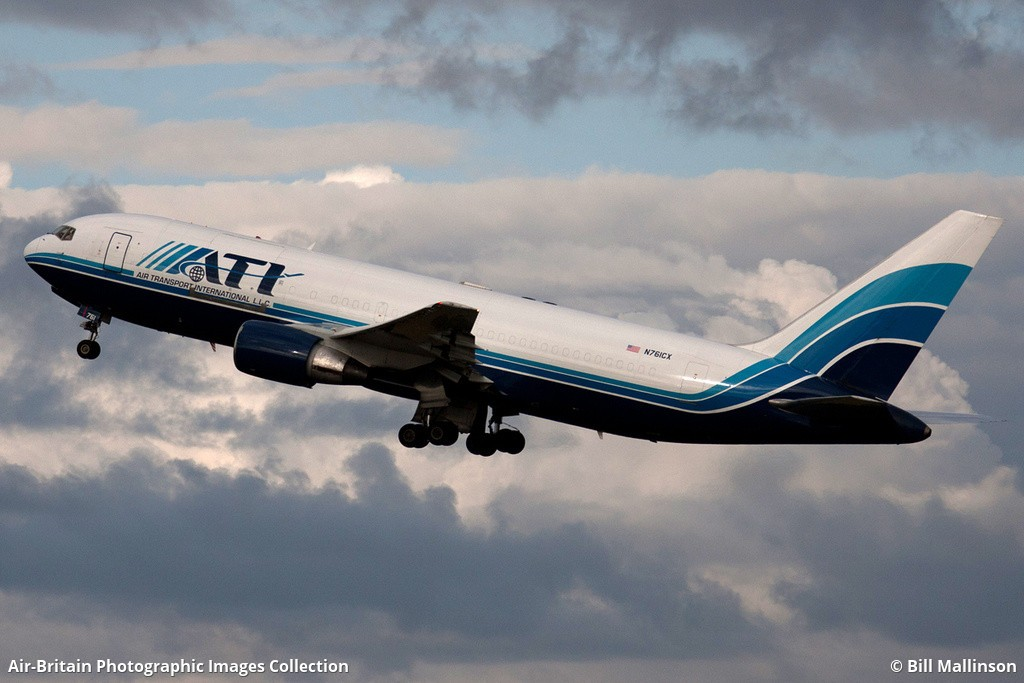 Aviation photographs of Boeing 767-223(BDSF) : ABPic