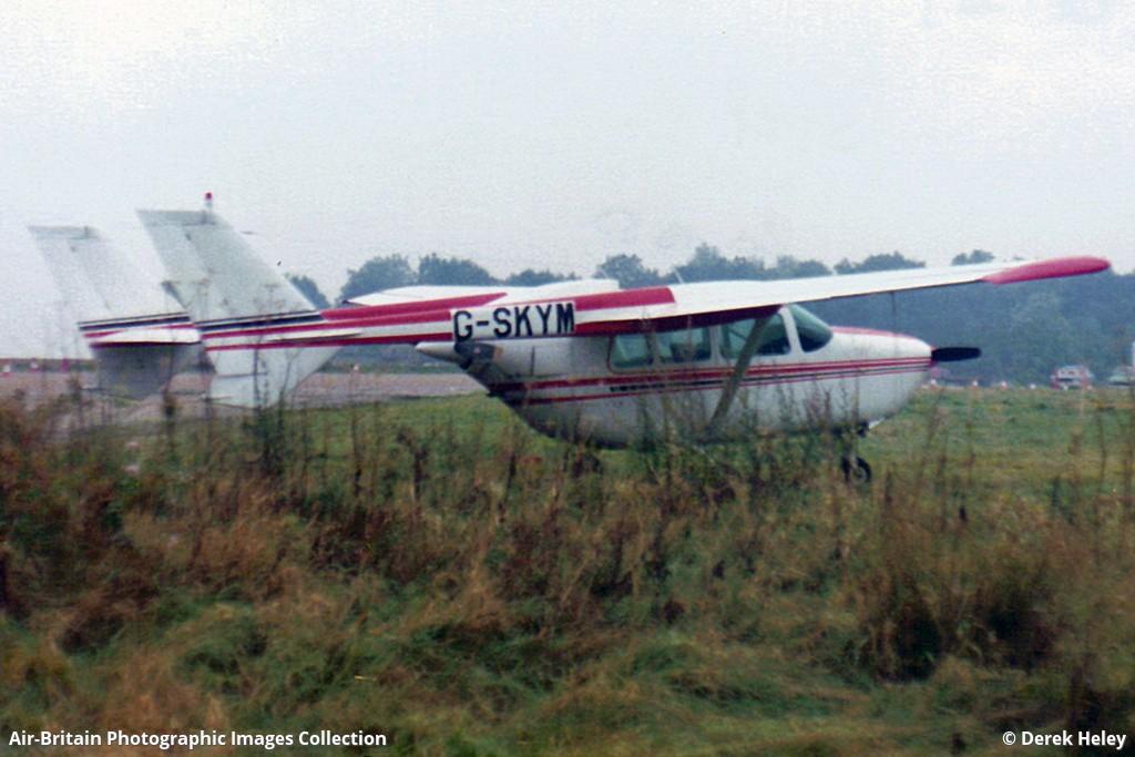 Aviation photographs of Reims-Cessna F337E Super Skymaster