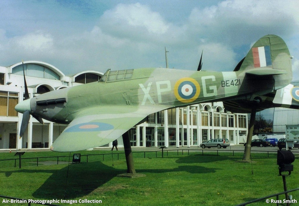 Aviation photographs of hawker hurricane replica abpic for Replica mobel england