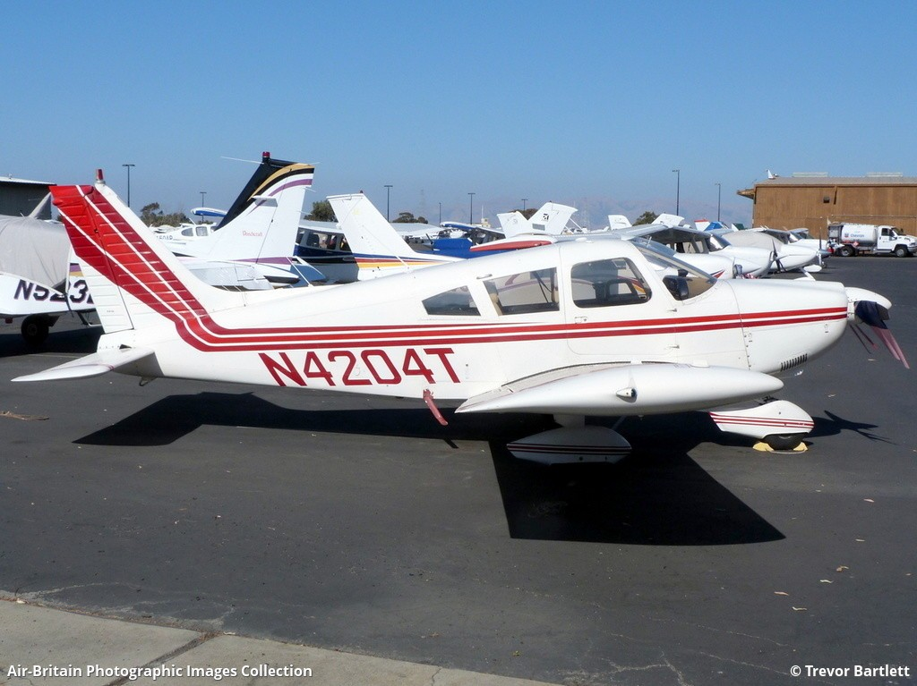 Piper PA-28-235 Cherokee F, N4204T / 28-7210004, Private : ABPic