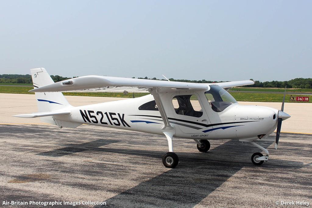 Aviation photographs of Registration: N5215K : ABPic