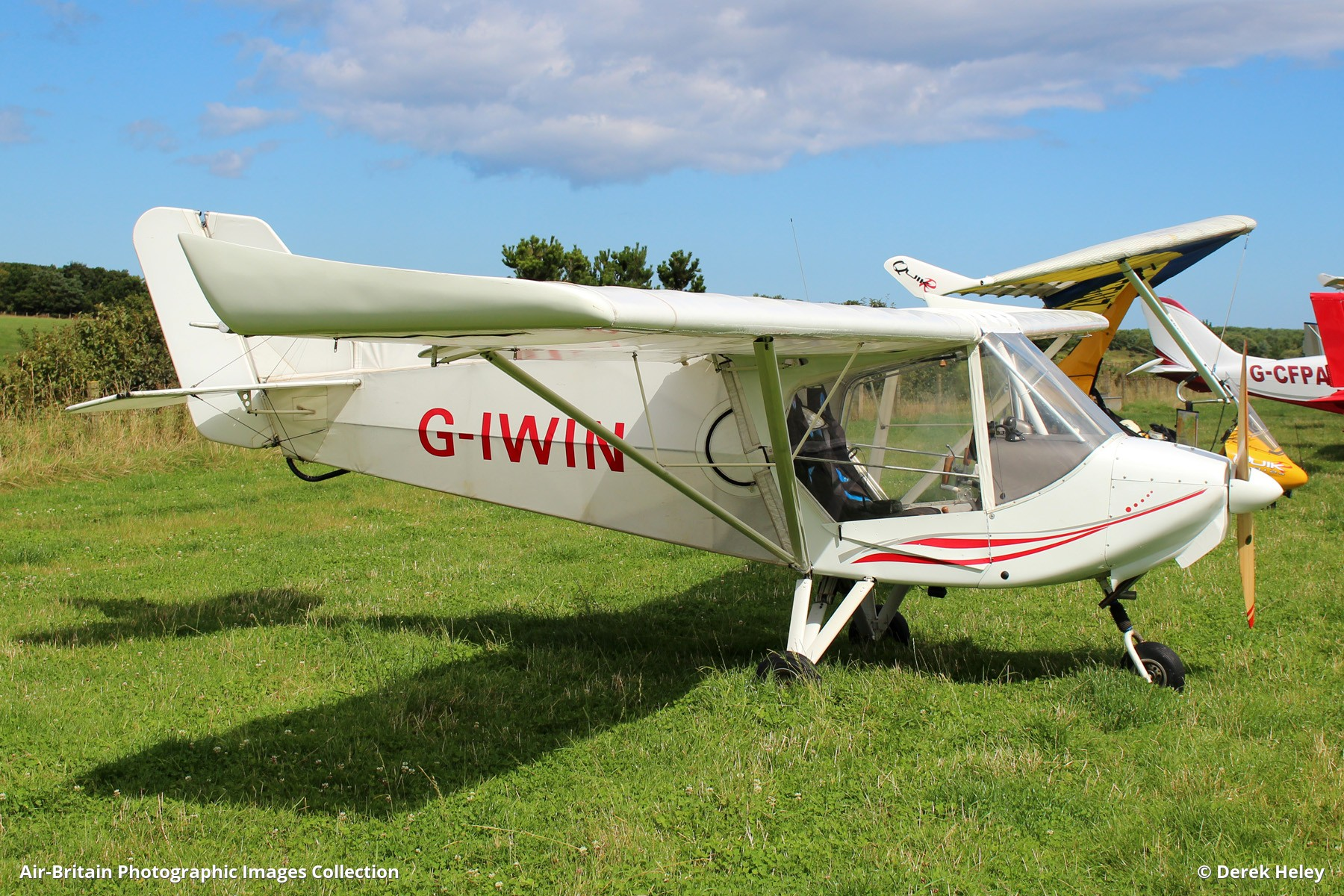 Aviation photographs of Registration: G-IWIN : ABPic
