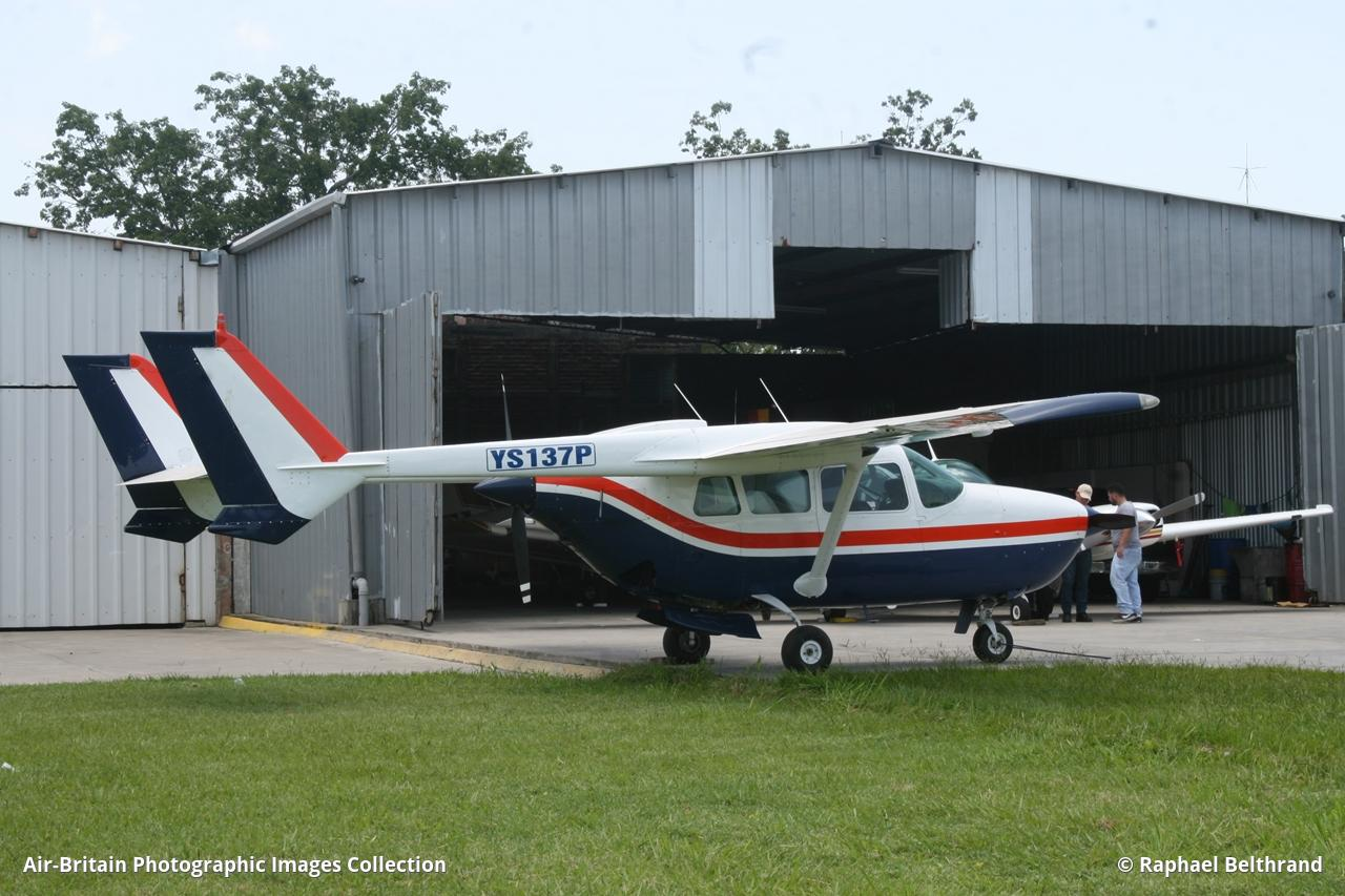 Aviation photographs of Cessna 337H Super Skymaster : ABPic