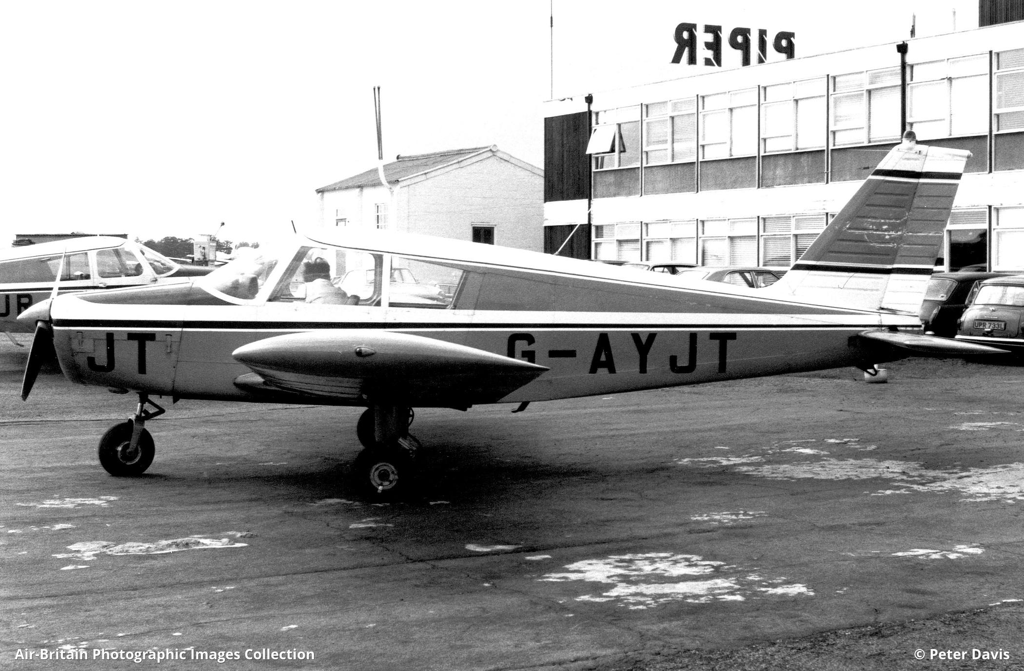 Aviation photographs of Piper PA-28-140 Cherokee C : ABPic