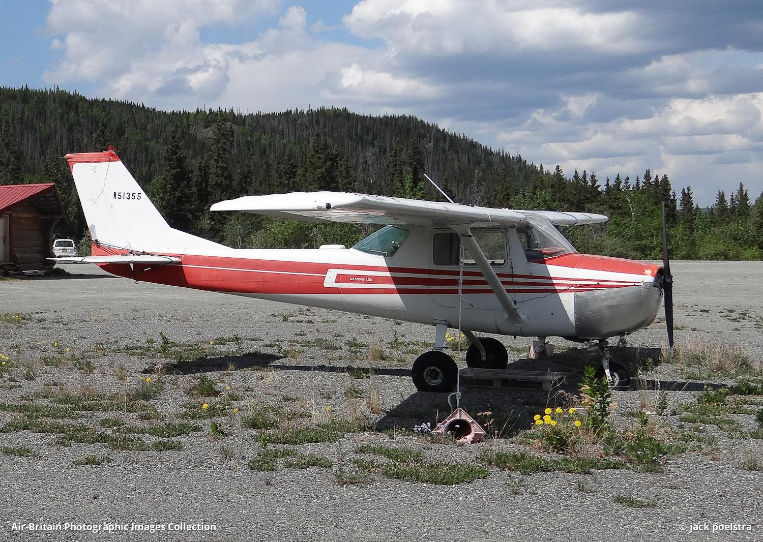 Aviation photographs of Cessna 150J : ABPic