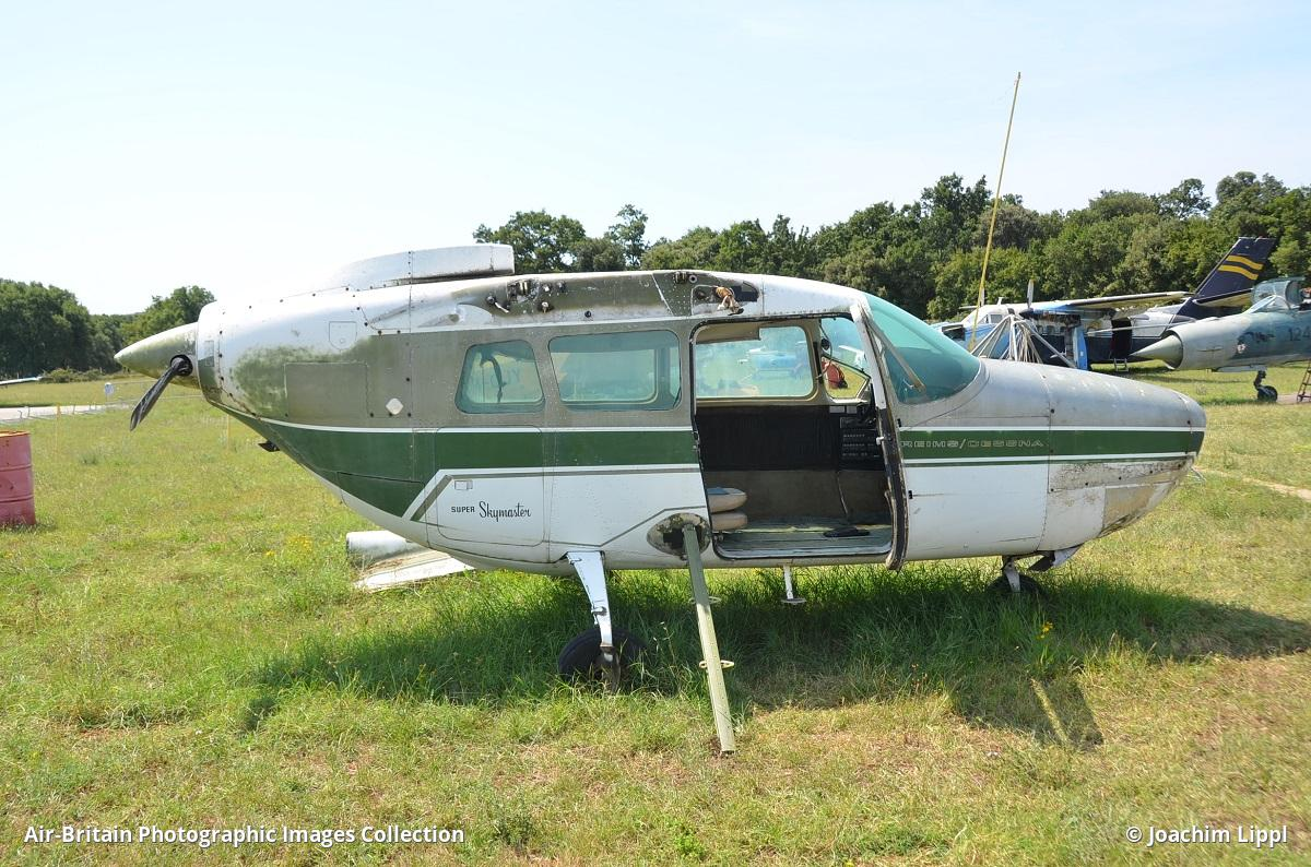 Aviation photographs of Reims-Cessna F337F Super Skymaster : ABPic