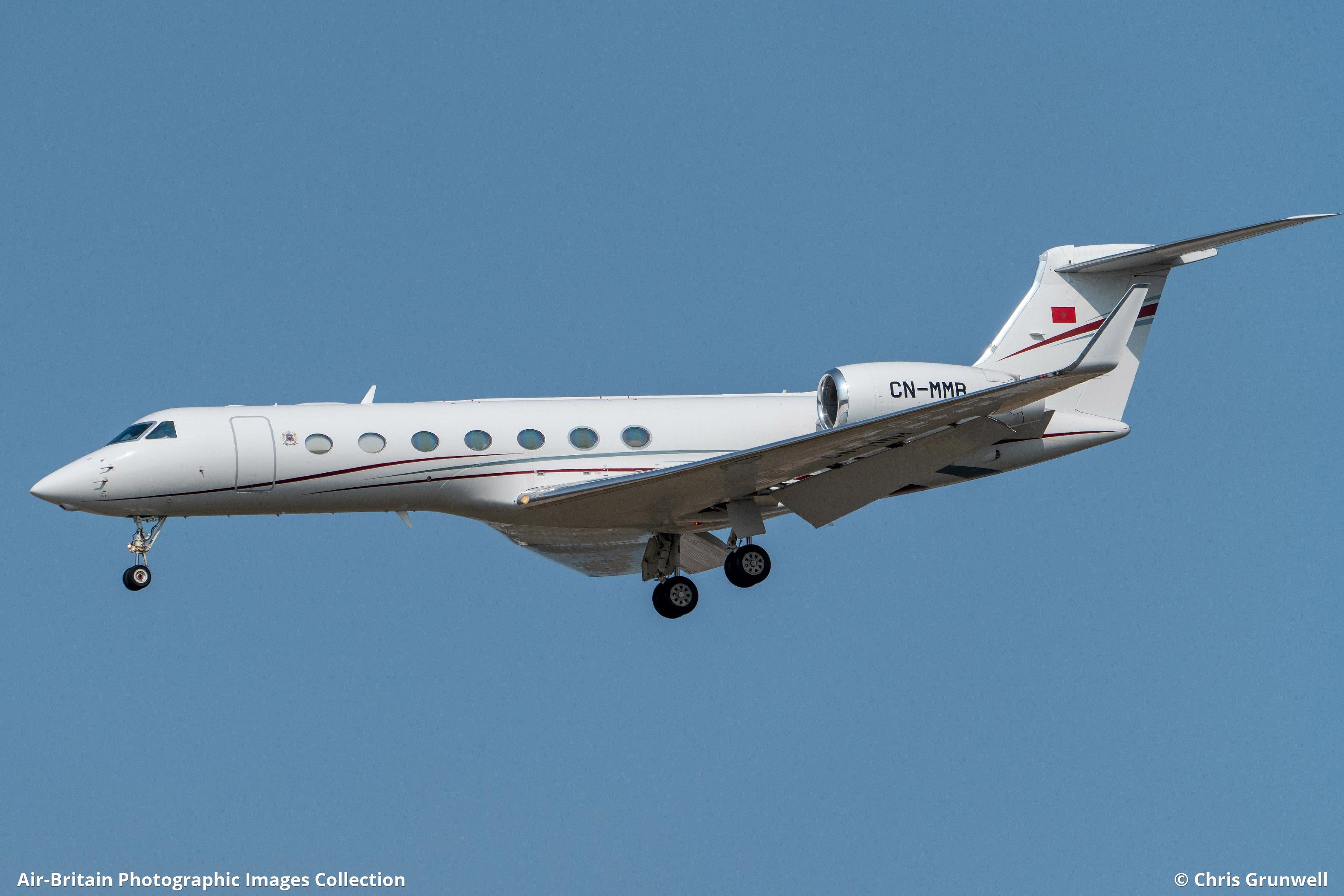 FRA: Avions VIP, Liaison & ECM - Page 25 1722281-large