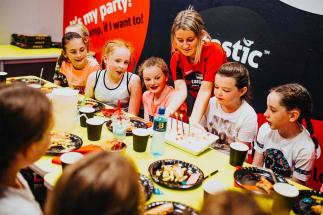 Kids enjoying cake at Airtastic Birthday Party