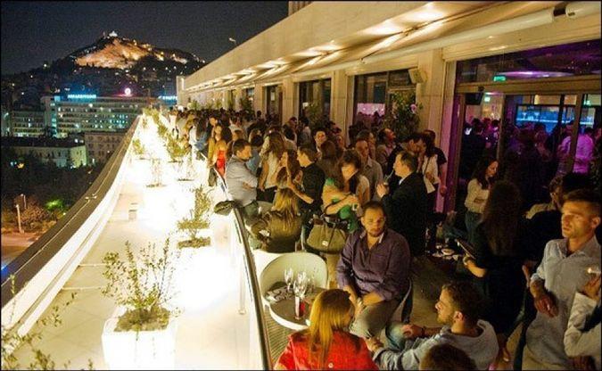 La vie nocturne d'Athènes