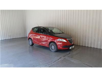 2012 CHRYSLER YPSILON Black and Red