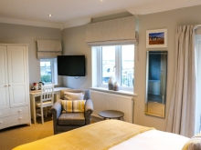 King Sea View Ensuite With Bath & Balcony