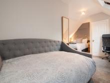 Treble Room w/En-suite (Second Floor)