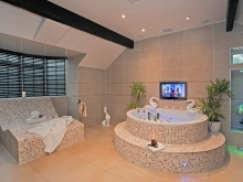 Sweetheart Suite & Hot Tub