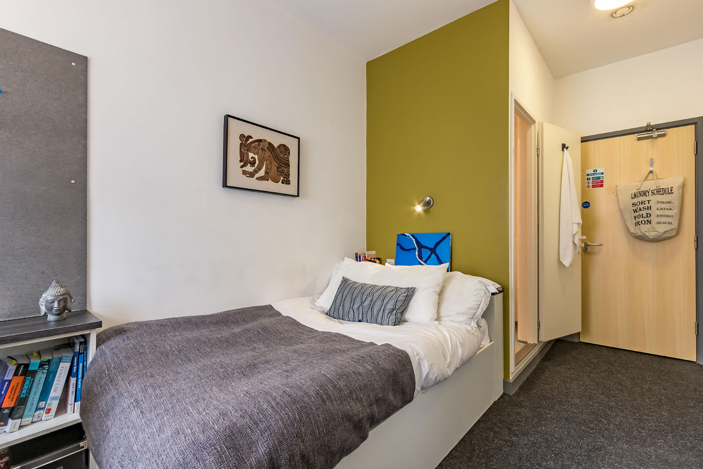 En Suite Rooms: 6 Bed En-suite