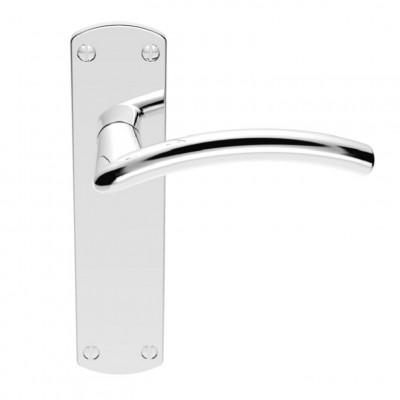 Serozzetta Tres door handle on backplate in all door handle variations in polished chrome