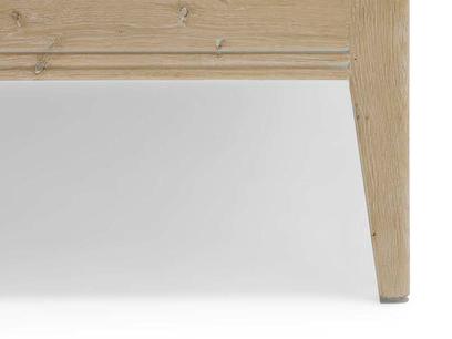 Flapper oak bed leg detail