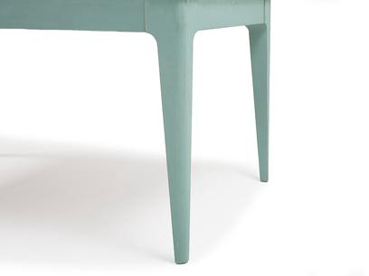 Tucker kitchen table leg detail