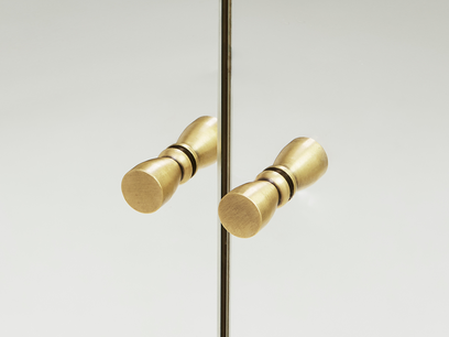 Grand Trixie mirrored bedroom furniture handle detail