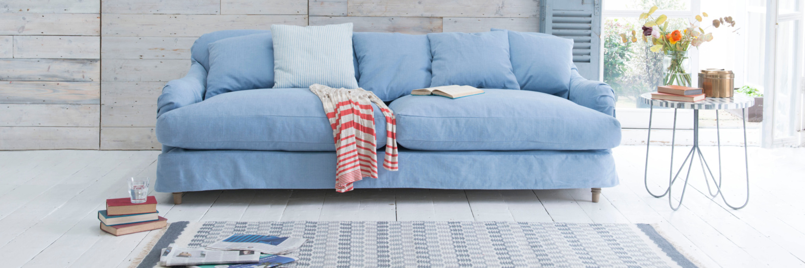 Achilles sofa with loose covers