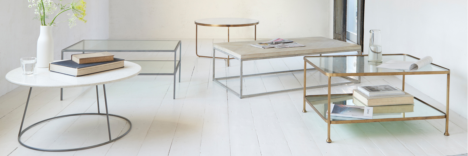 Round and square coffee tables range