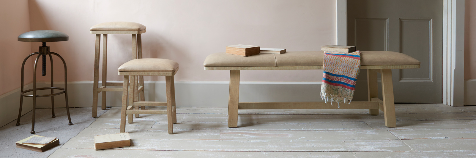 Kitchen chairs, benches and stools range