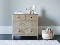 Young Flapper oak chest of drawers
