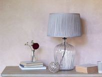 Flute glass table lamp with Natural pleated shade