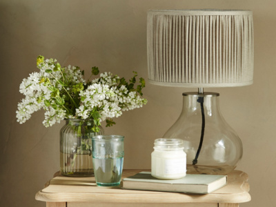 Contemporary glass Bessy table lamp
