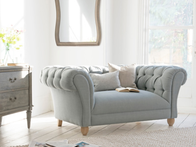 Young Bean beautiful comfy chesterfield love seat