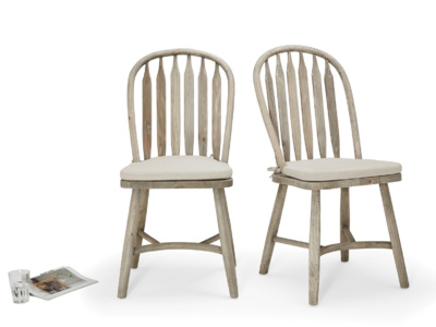 Farmhouse vintage kitchen Bossy Beached chairs made from beached elm