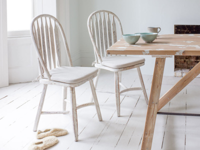 Beautiful hoop-back vintage dining Bossy chairs