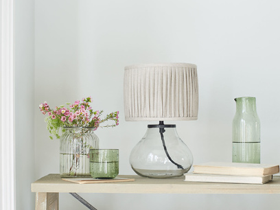 Mini Bessy glass base table lamp with pleated shade