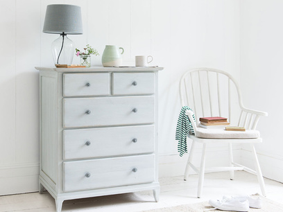 Mosey vintage white chest of drawers