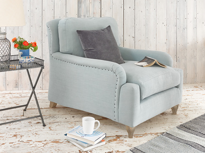 Beautiful Pavlova deep snuggler and love seat sofa