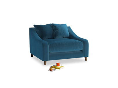 Oscar Love seat in Twilight blue Clever Deep Velvet