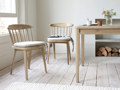 drummer oak dining chair with seat pad