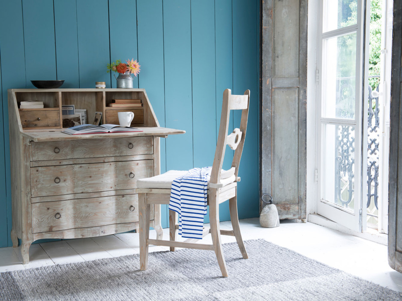 Wooden farmhouse Chinwag Beached kitchen chair with beautiful beached timber finish