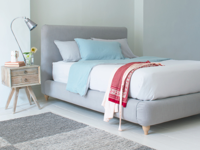 Modern and contemporary Ruffle upholstered bed