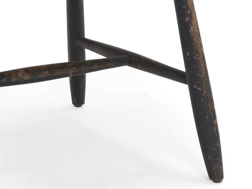 Dining Chuckler wooden spindle back chair