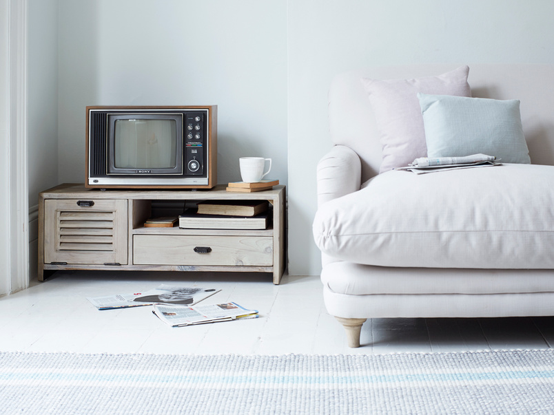 Wooden retro Teeny Toot Sweet TV stand