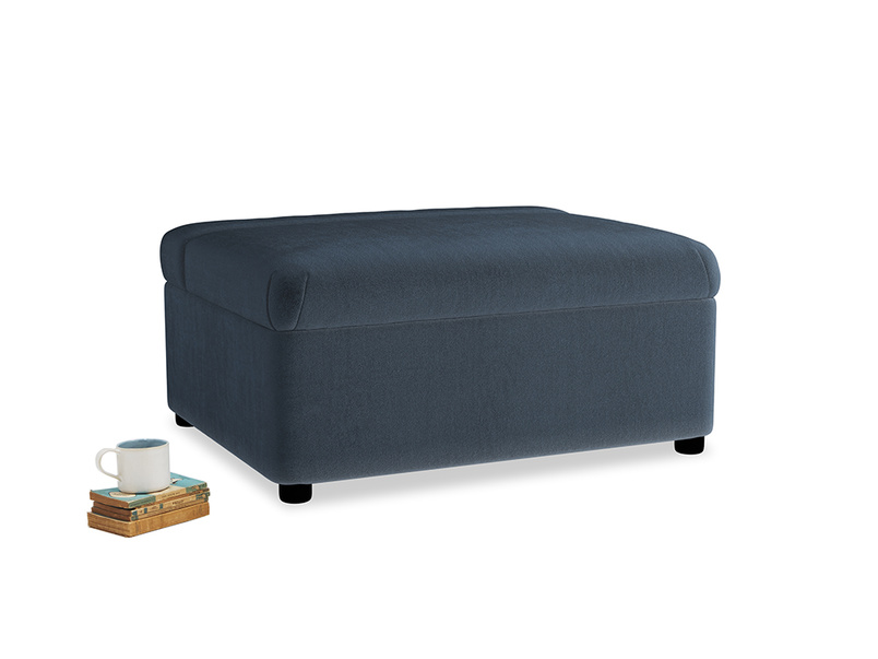 Single Bed in a Bun in Liquorice Blue clever velvet