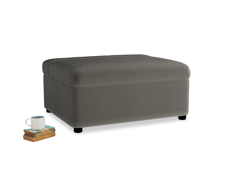 Single Bed in a Bun in Slate clever velvet