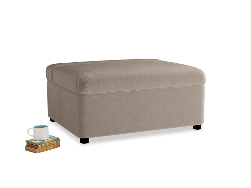 Single Bed in a Bun in Fawn clever velvet