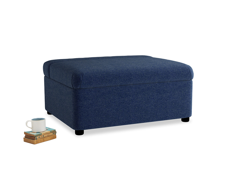 Single Bed in a Bun in Ink Blue wool