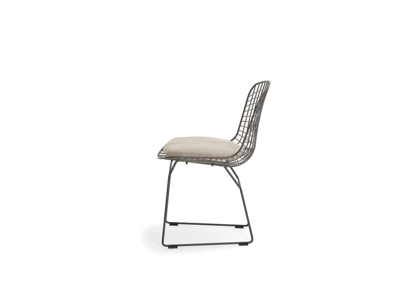 Industrial metal wire Hamburger kitchen chair with linen cushion